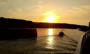 entrada barco luarca